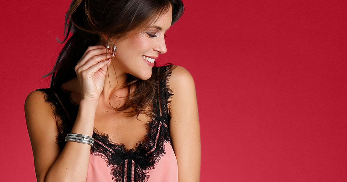 Slušiví parťáci pre vaše krivky: tuniky a blúzky